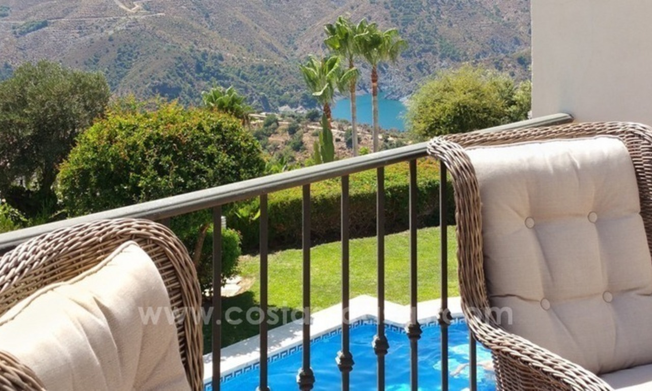 Luxury villa with amazing views for sale above the Golden Mile, Marbella 11