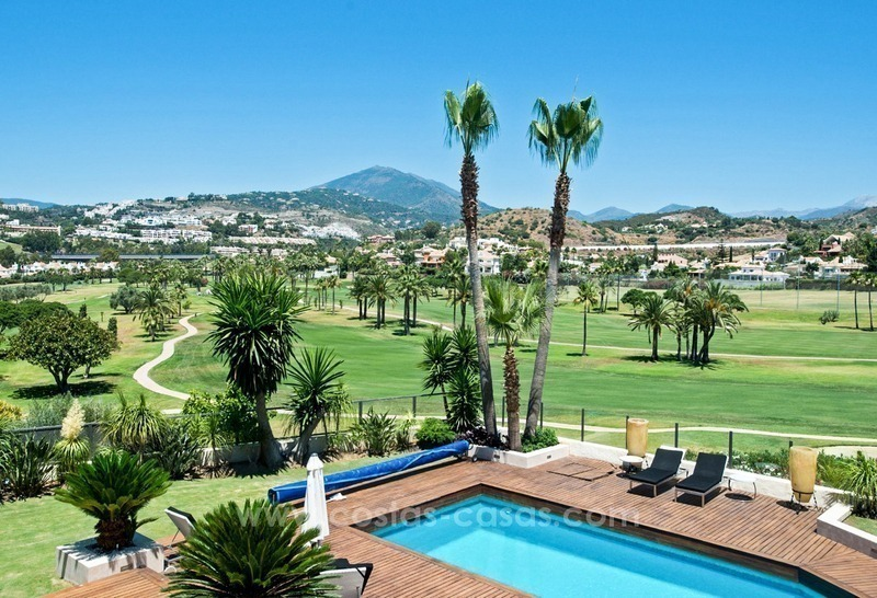 Contemporary refurbished frontline golf villa for sale in Nueva Andalucía, Marbella