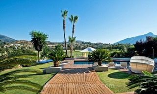 Contemporary refurbished frontline golf villa for sale in Nueva Andalucía, Marbella 3