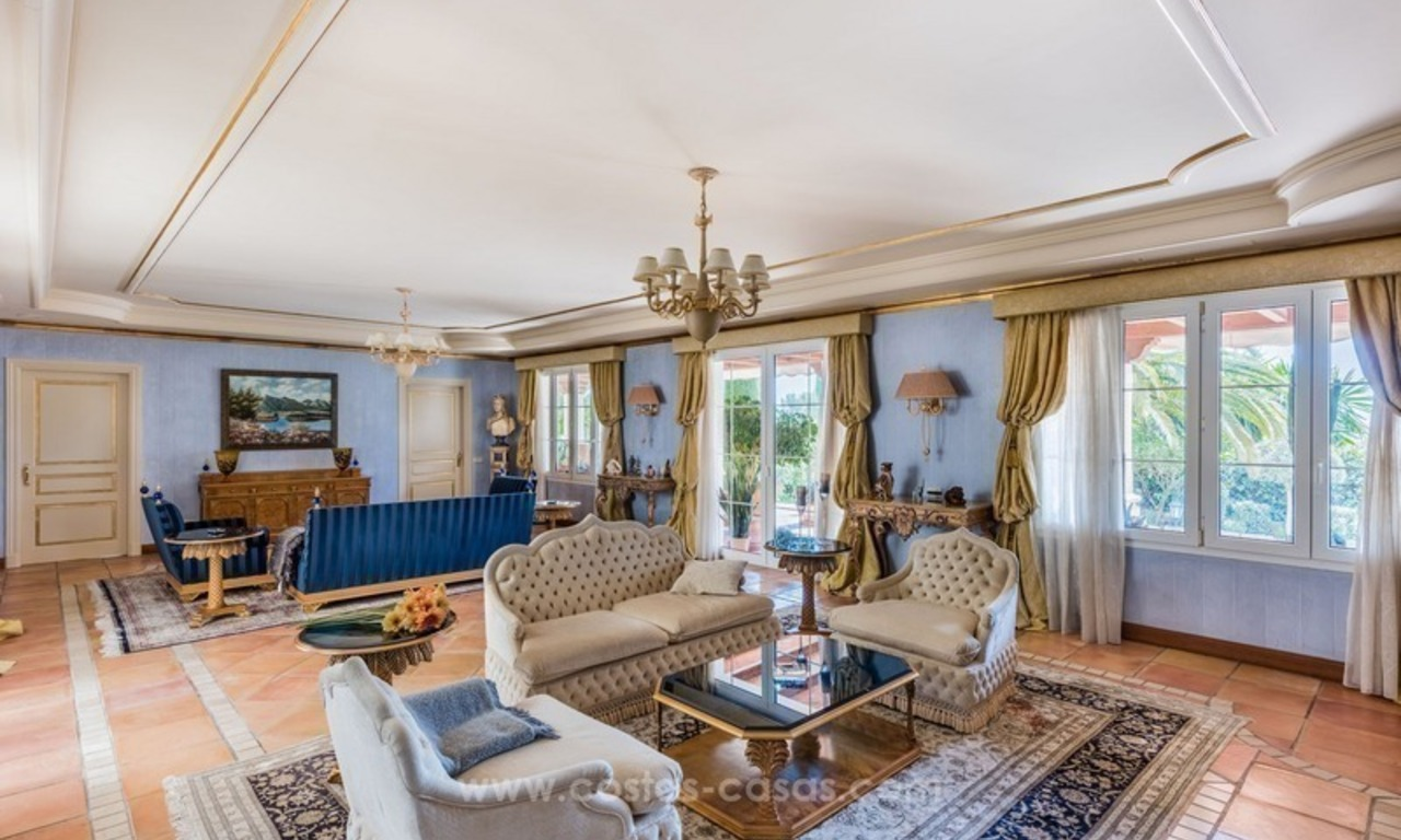 Elegant luxurious traditional style villa for sale in Sierra Blanca, the Golden Mile, Marbella 8