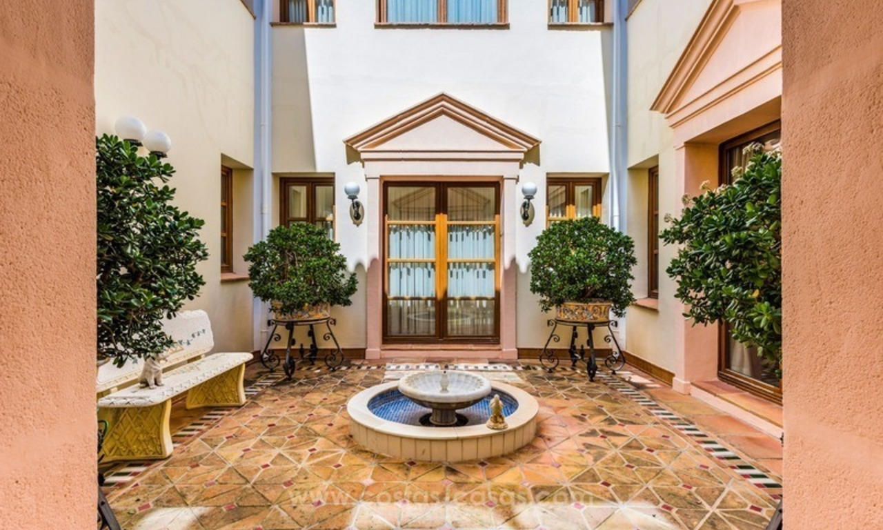 Elegant luxurious traditional style villa for sale in Sierra Blanca, the Golden Mile, Marbella 6