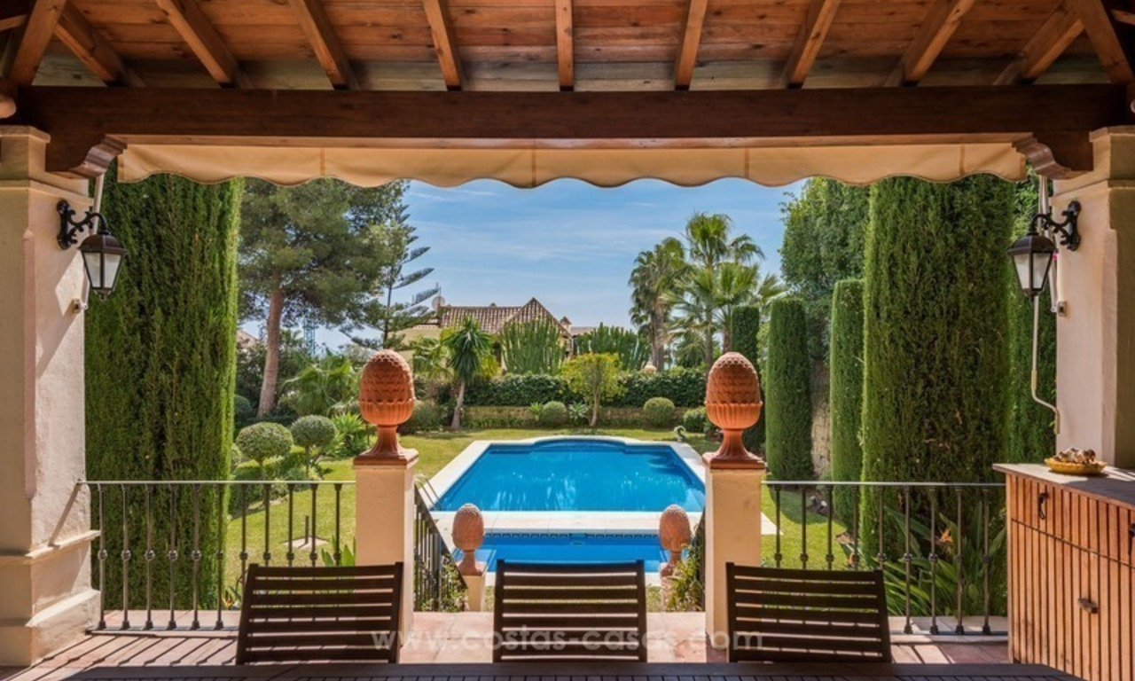 Elegant luxurious traditional style villa for sale in Sierra Blanca, the Golden Mile, Marbella 4