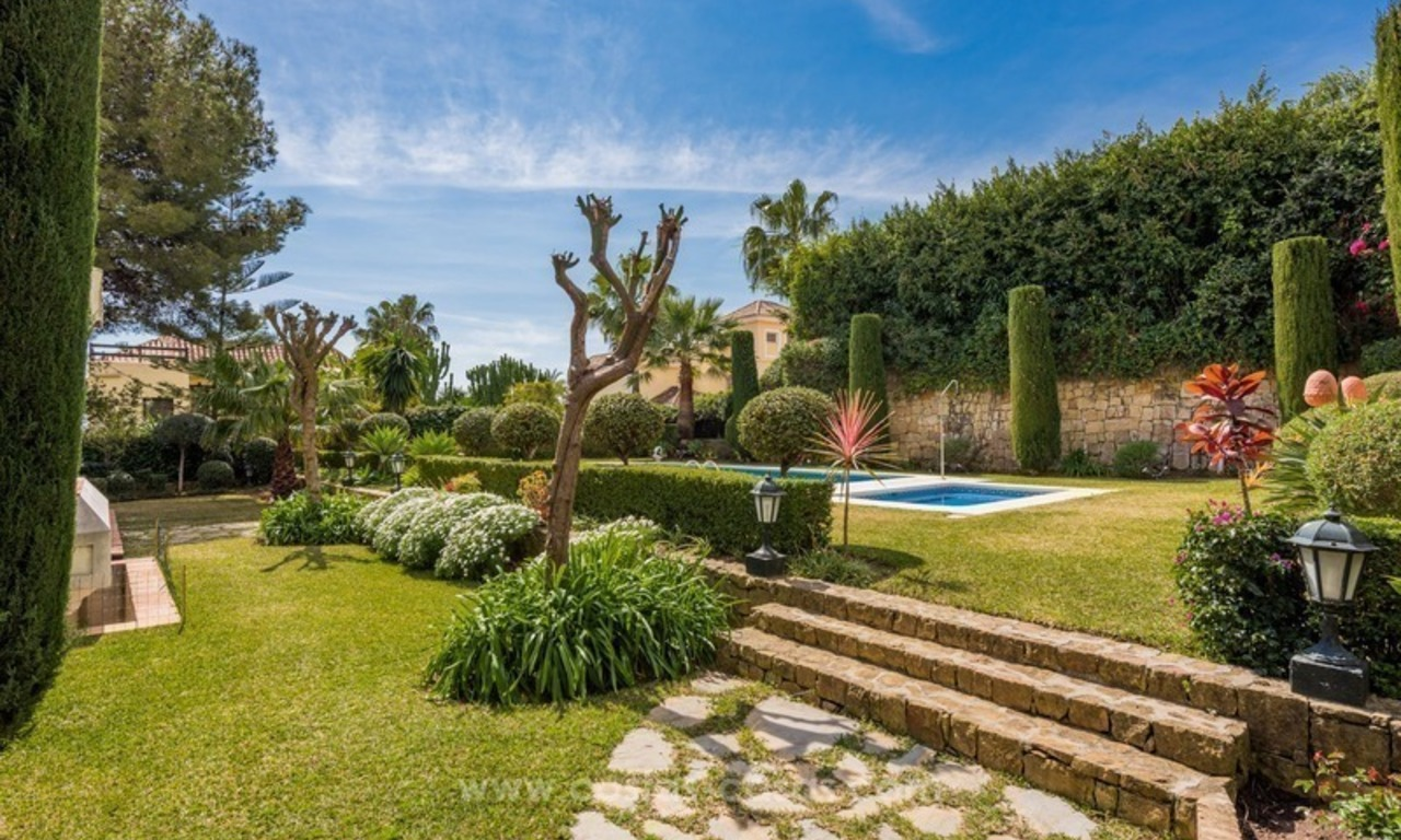 Elegant luxurious traditional style villa for sale in Sierra Blanca, the Golden Mile, Marbella 3