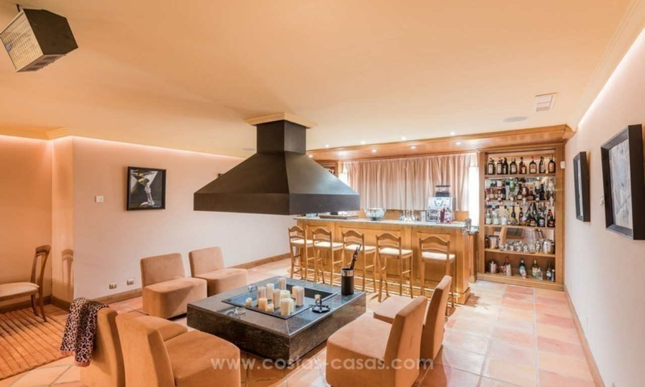 Elegant luxurious traditional style villa for sale in Sierra Blanca, the Golden Mile, Marbella 17