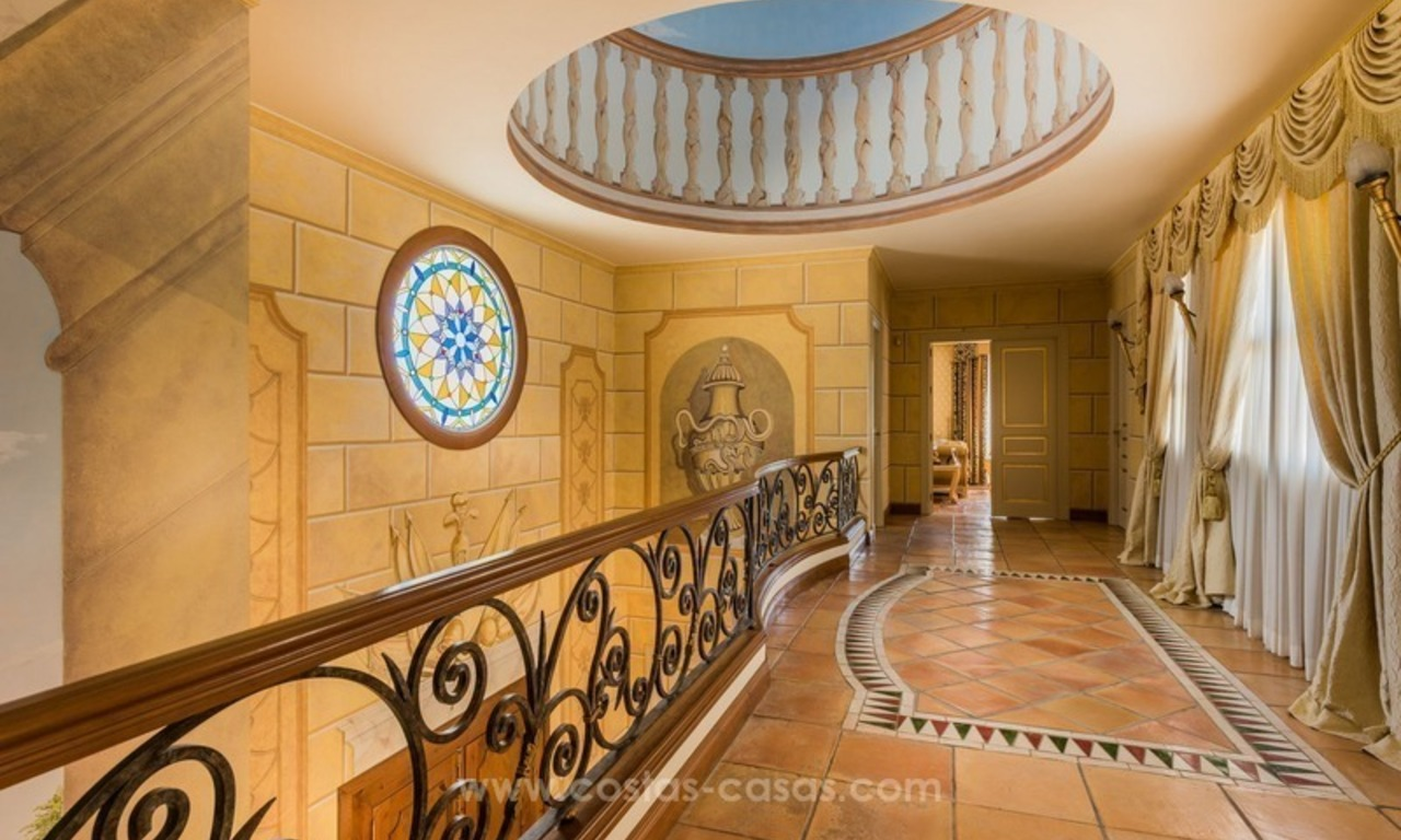 Elegant luxurious traditional style villa for sale in Sierra Blanca, the Golden Mile, Marbella 14