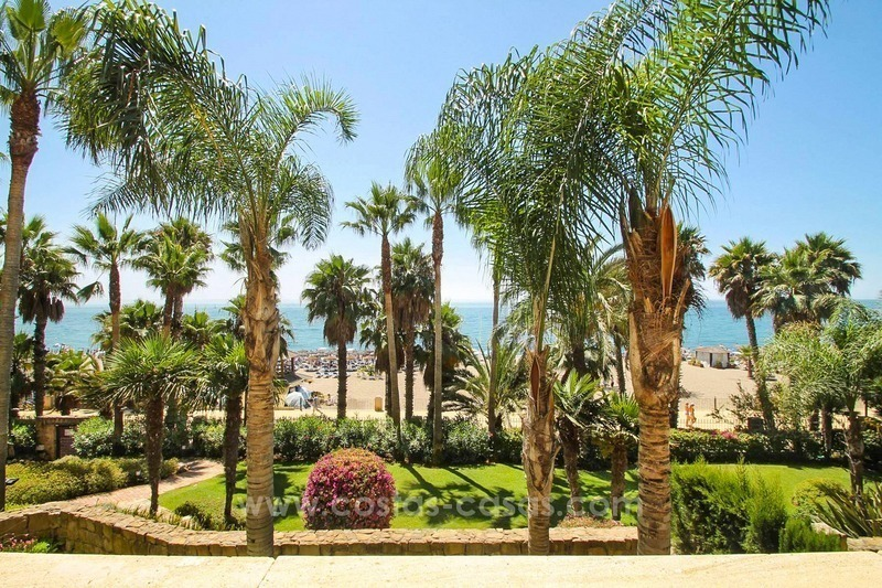 Beachfront apartment for sale, frontline Golden Mile - Marbella 0