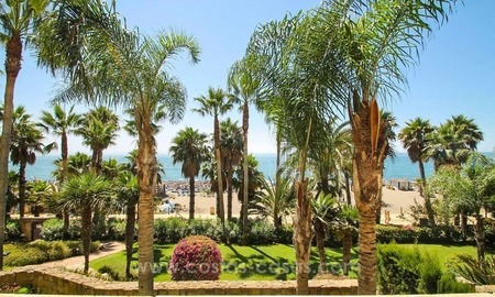 Beachfront apartment for sale, frontline Golden Mile - Marbella