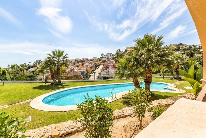 Apartments and penthouses for sale in Nueva Andalucía, Marbella 1