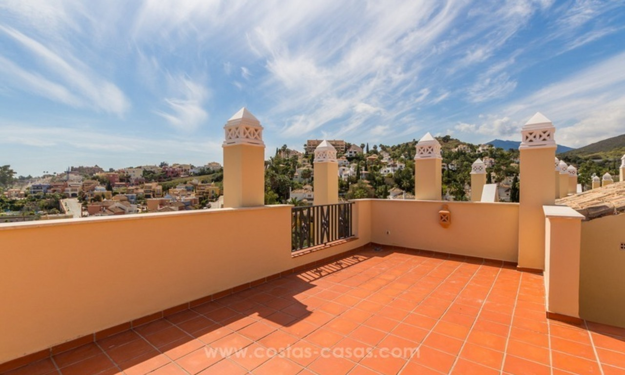 For Sale in Nueva Andalucía, Marbella: Penthouses and Apartments 3