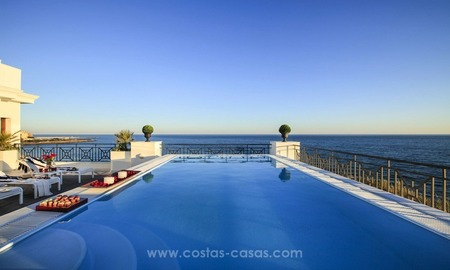 Frontline beach luxury apartment for sale, Estepona, Costa del Sol 1