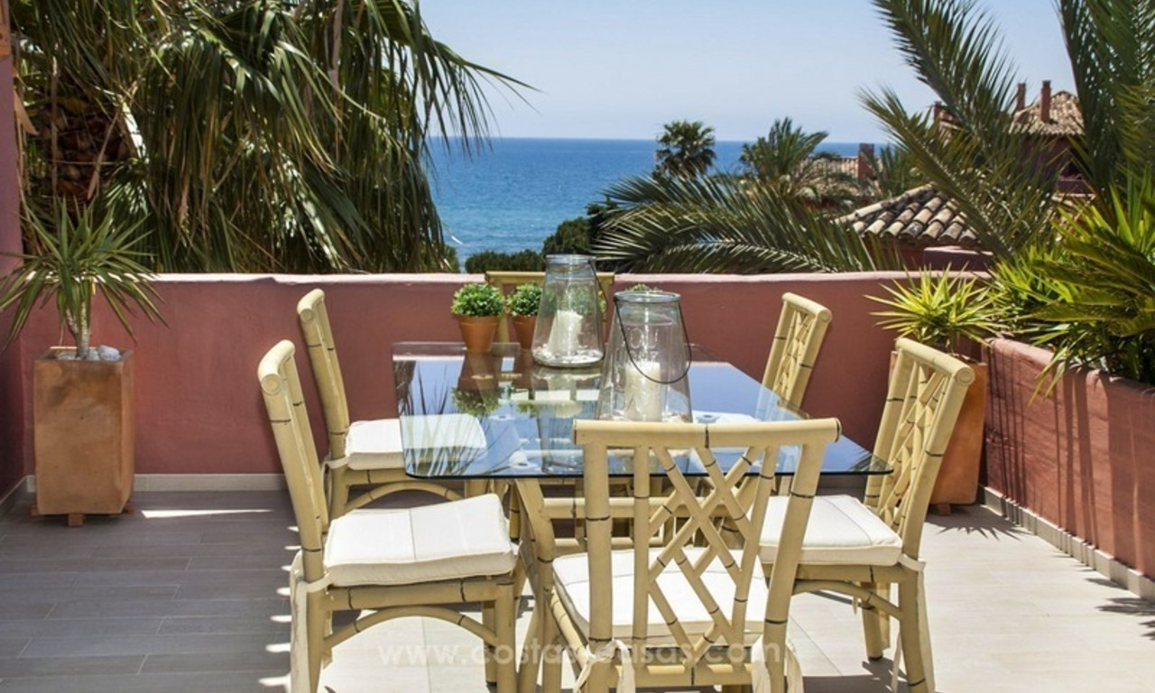 Luxury beachfront penthouse apartment for sale on the New Golden Mile between Marbella and Estepona 11