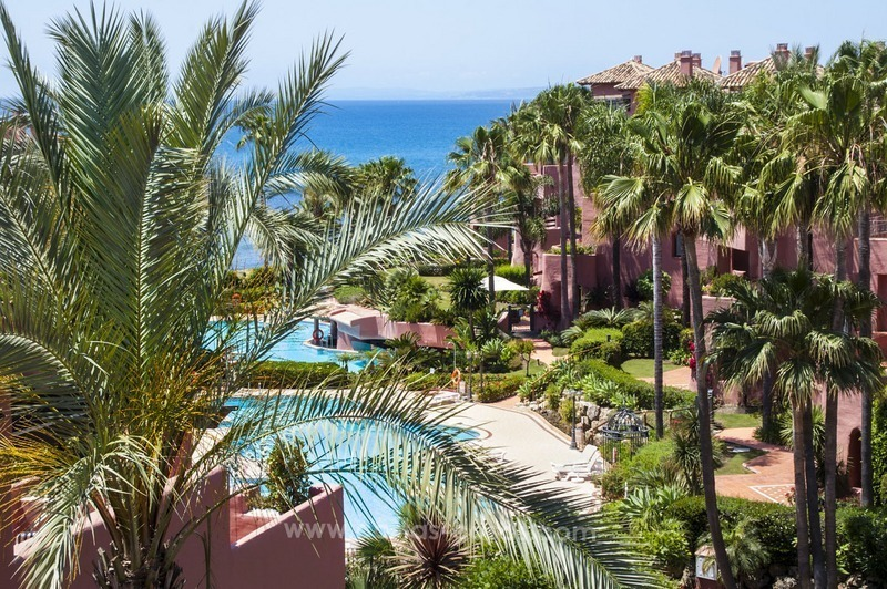 Luxury beachfront penthouse apartment for sale on the New Golden Mile between Marbella and Estepona