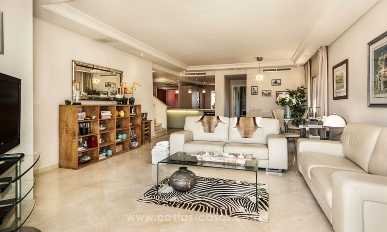 Luxury beachfront penthouse apartment for sale on the New Golden Mile between Marbella and Estepona 25