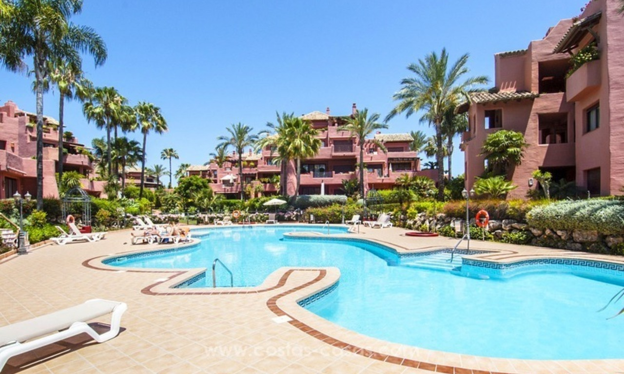 Luxury beachfront penthouse apartment for sale on the New Golden Mile between Marbella and Estepona 38