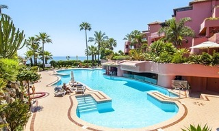 Luxury beachfront penthouse apartment for sale on the New Golden Mile between Marbella and Estepona 40