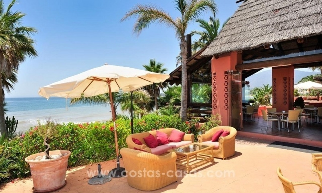 Luxury beachfront penthouse apartment for sale on the New Golden Mile between Marbella and Estepona 47