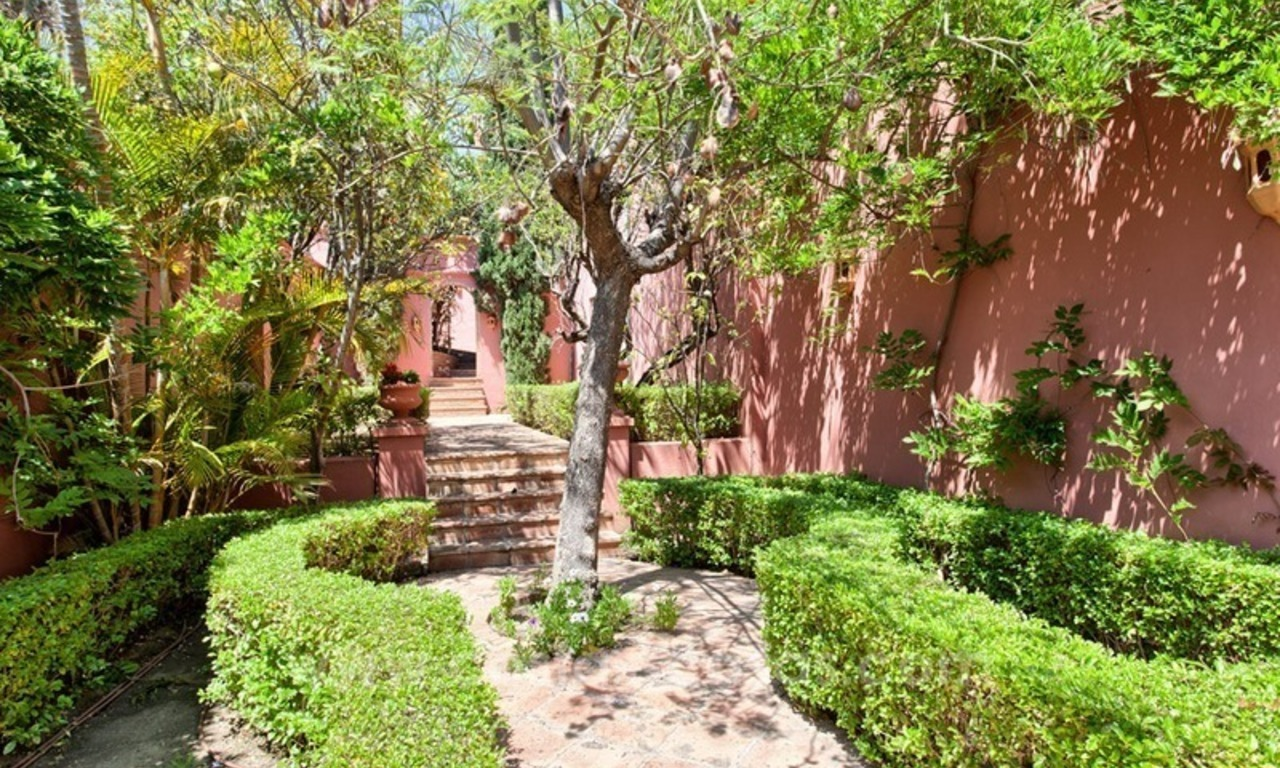 Renovated charming villa for sale in Hacienda Las Chapas – Marbella 11