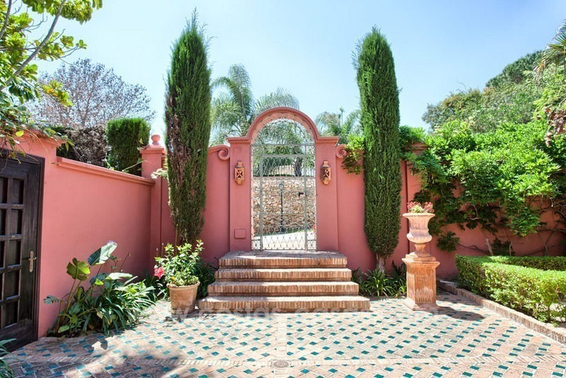 Renovated charming villa for sale in Hacienda Las Chapas – Marbella 2
