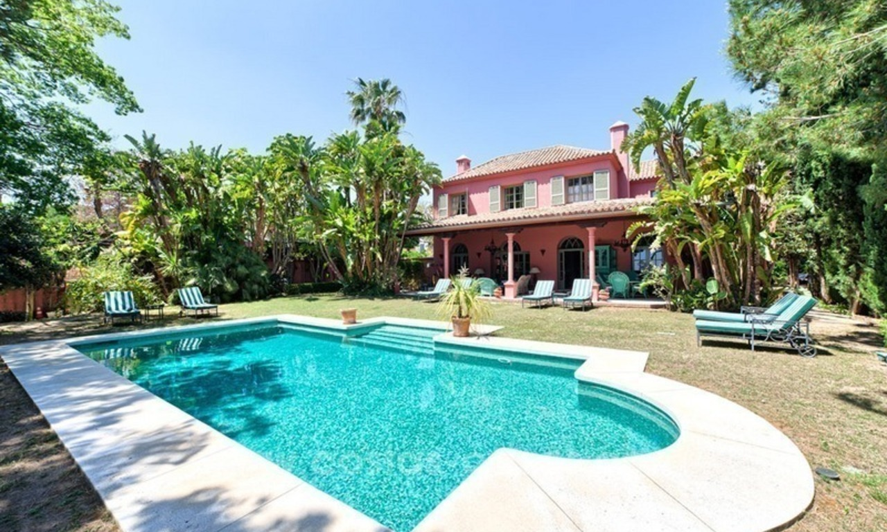 Renovated charming villa for sale in Hacienda Las Chapas – Marbella 0