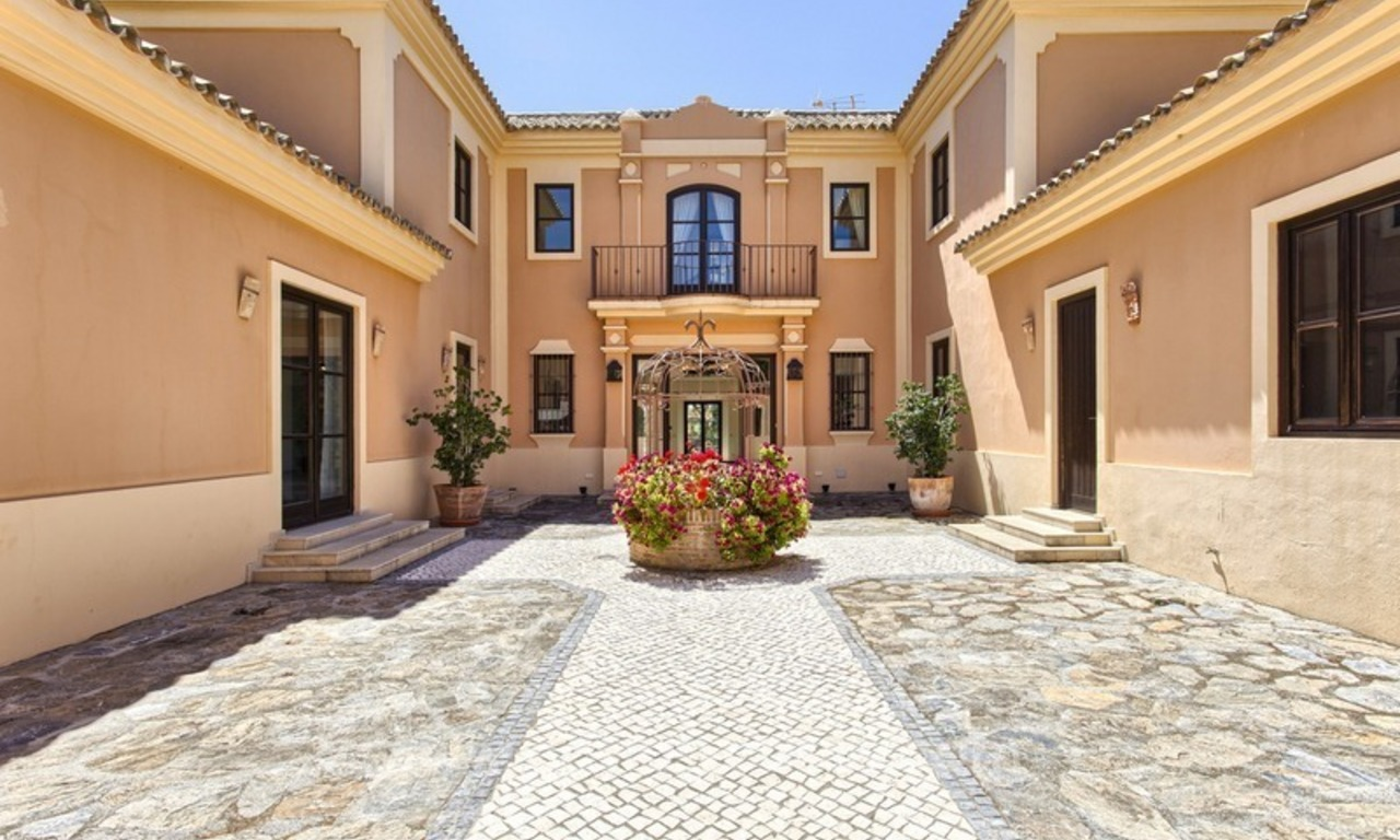 For Sale: Classic Villa at Golf Resort in Benahavís – Marbella 9