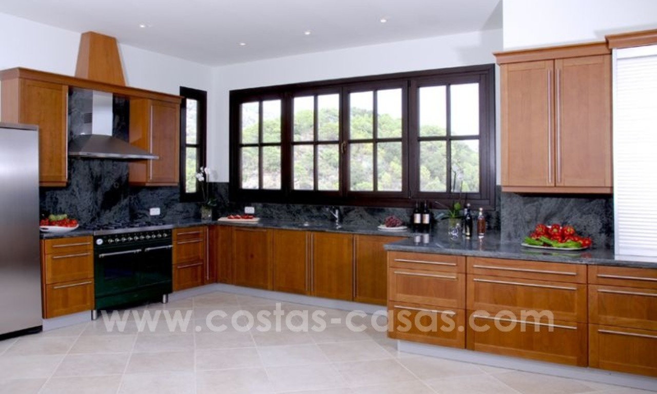 For Sale: Classic Villa at Golf Resort in Benahavís – Marbella 21