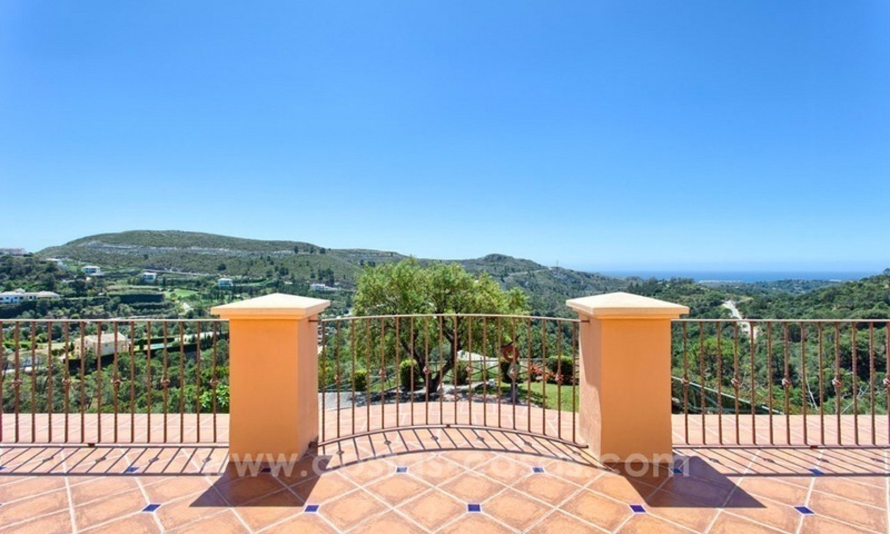 For Sale: Classic Villa at Golf Resort in Benahavís – Marbella 22