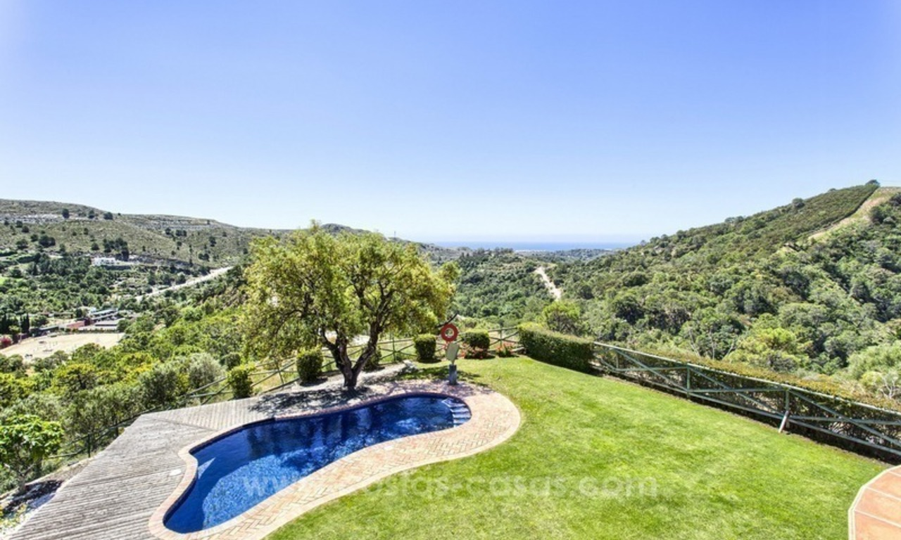 For Sale: Classic Villa at Golf Resort in Benahavís – Marbella 5