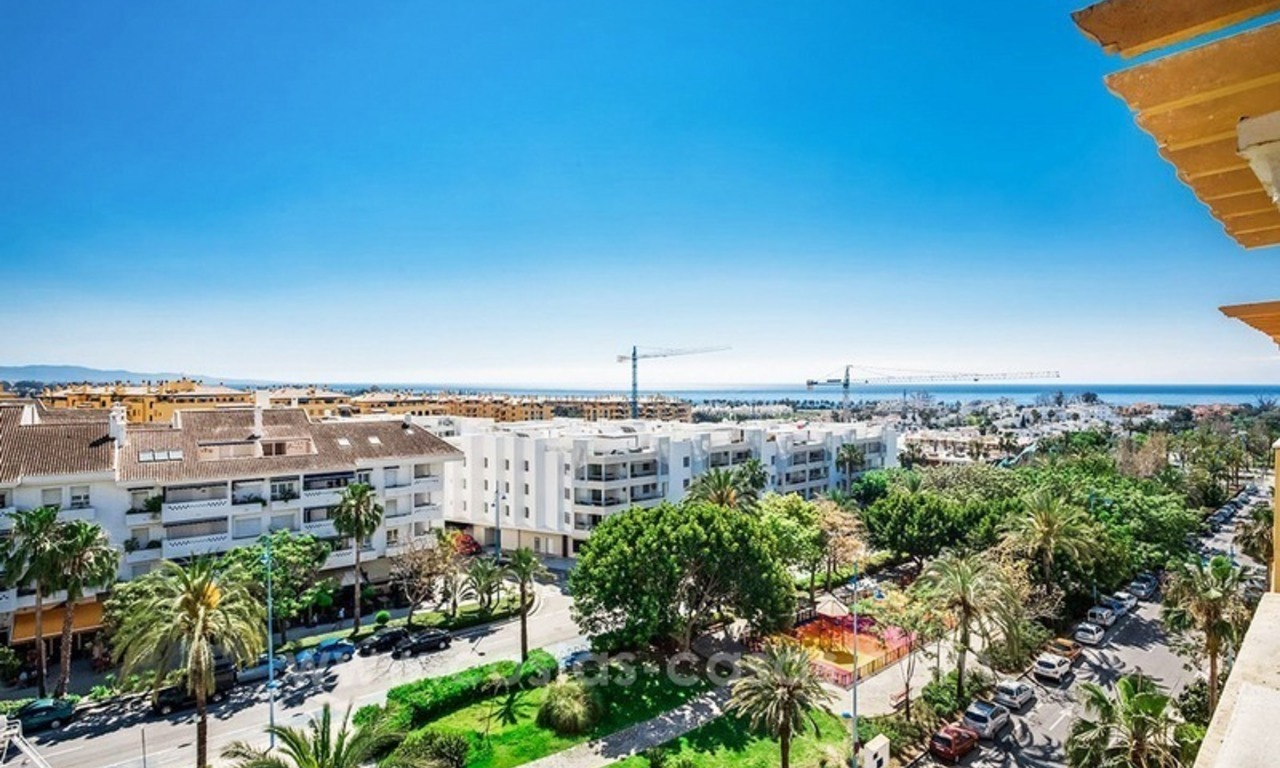Large corner penthouse for sale with sea and mountain views in the heart of San Pedro, Marbella 3