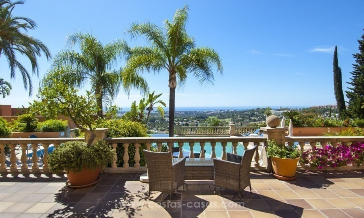 Marbella – Nueva Andalucia For Sale: Stunning Fully Refurbished Apartment In Highly Sought After Complex 1