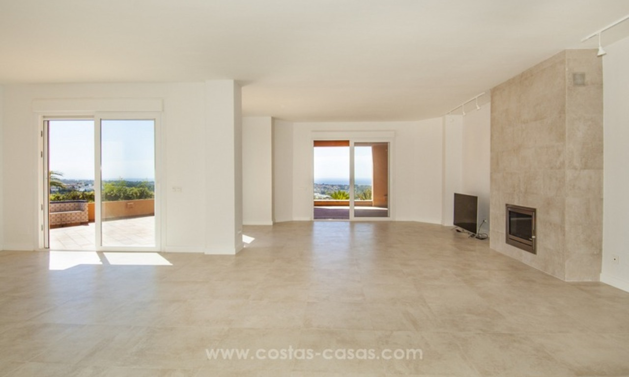 Marbella – Nueva Andalucia For Sale: Stunning Fully Refurbished Apartment In Highly Sought After Complex 8