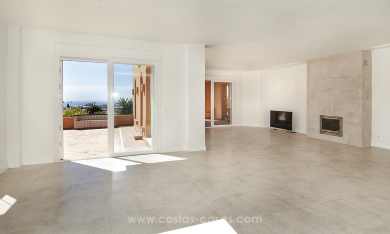 Marbella – Nueva Andalucia For Sale: Stunning Fully Refurbished Apartment In Highly Sought After Complex 13