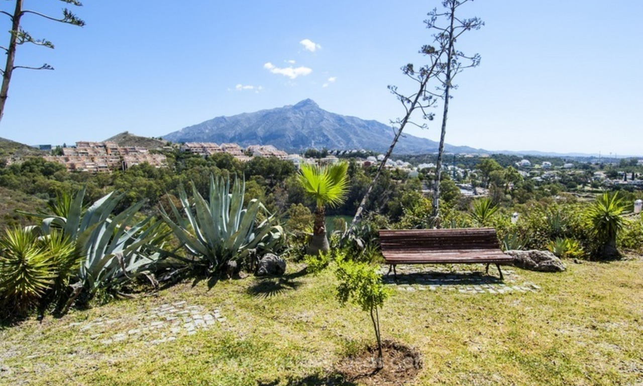 Marbella – Nueva Andalucia For Sale: Stunning Fully Refurbished Apartment In Highly Sought After Complex 27