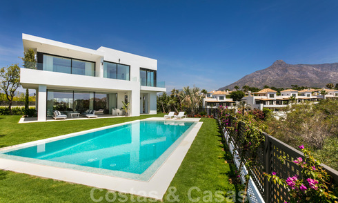 SOLD. Opportunity! Last villa! Brand New modern Villa for sale on the Golden Mile, Marbella. In a gated and secure complex. Special discount! 30188