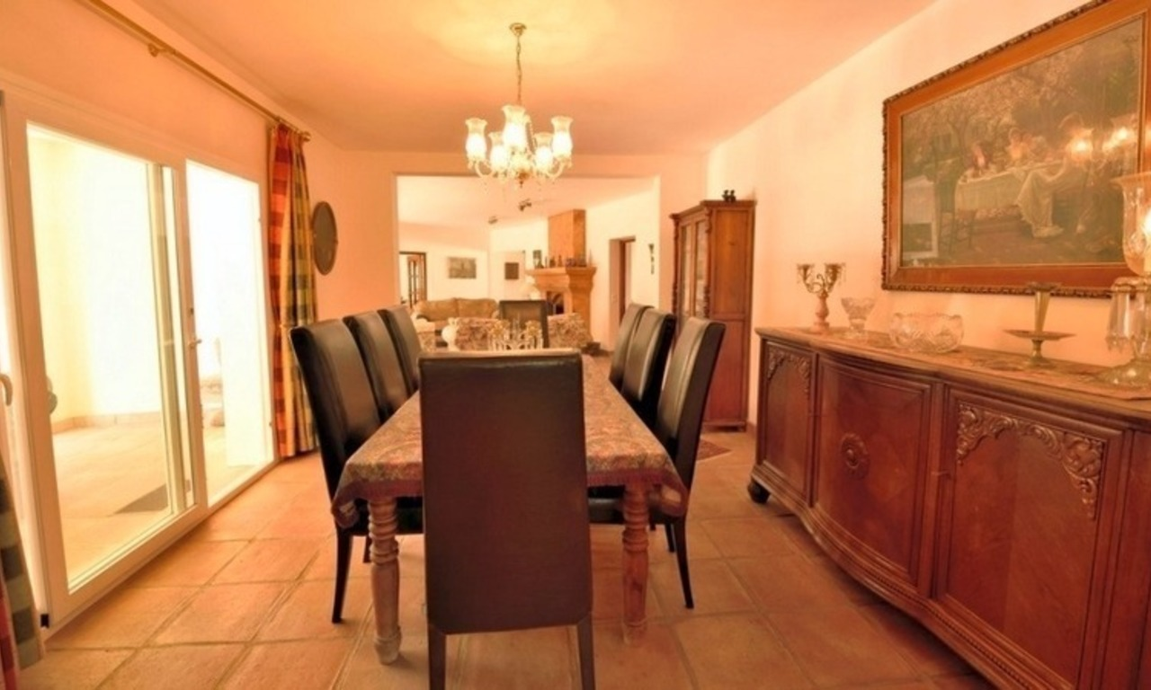 Superb Second Line Beach Villa Guadalmina Baja, Marbella 12