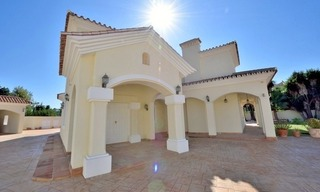 Superb Second Line Beach Villa Guadalmina Baja, Marbella 8