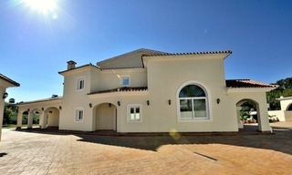 Superb Second Line Beach Villa Guadalmina Baja, Marbella 5