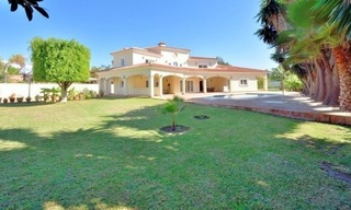 Superb Second Line Beach Villa Guadalmina Baja, Marbella 3