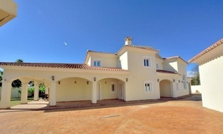 Superb Second Line Beach Villa Guadalmina Baja, Marbella 7