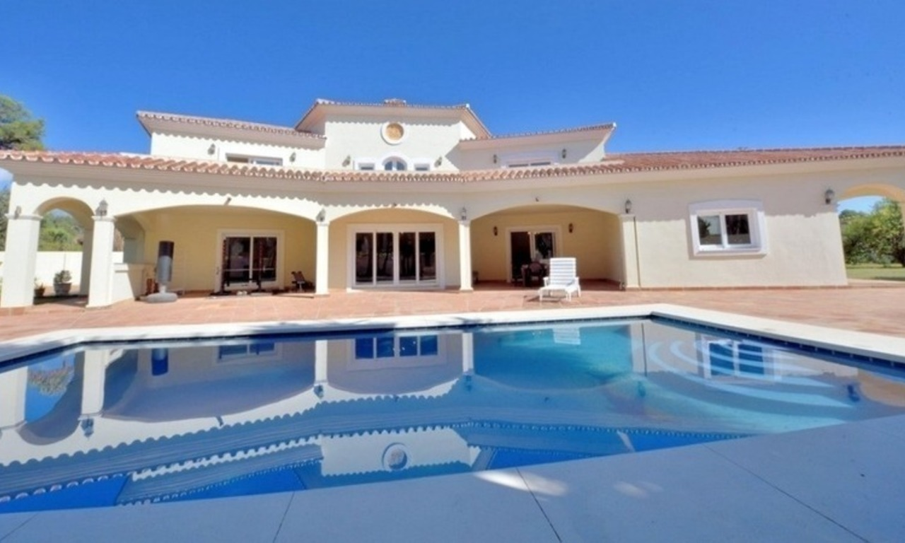 Superb Second Line Beach Villa Guadalmina Baja, Marbella 0