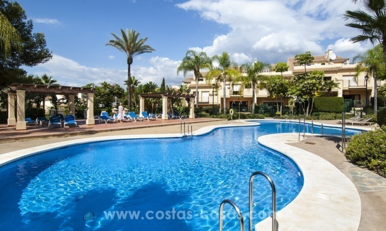 Bargain apartment for sale in Nueva Andalucia, walking distance of all amenities and Puerto Banus in Marbella 12