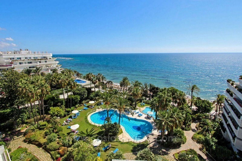 Opportunity: For Sale in Gran Marbella: Fantastic apartment frontline beach