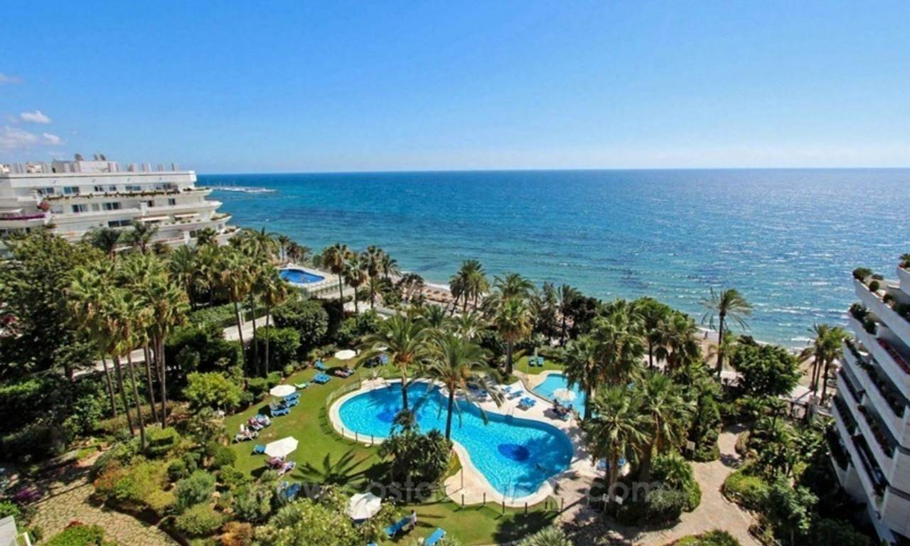 Opportunity: For Sale in Gran Marbella: Fantastic apartment frontline beach 0