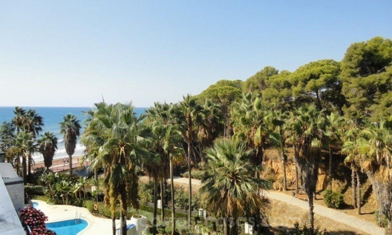 Opportunity: For Sale in Gran Marbella: Fantastic apartment frontline beach 2