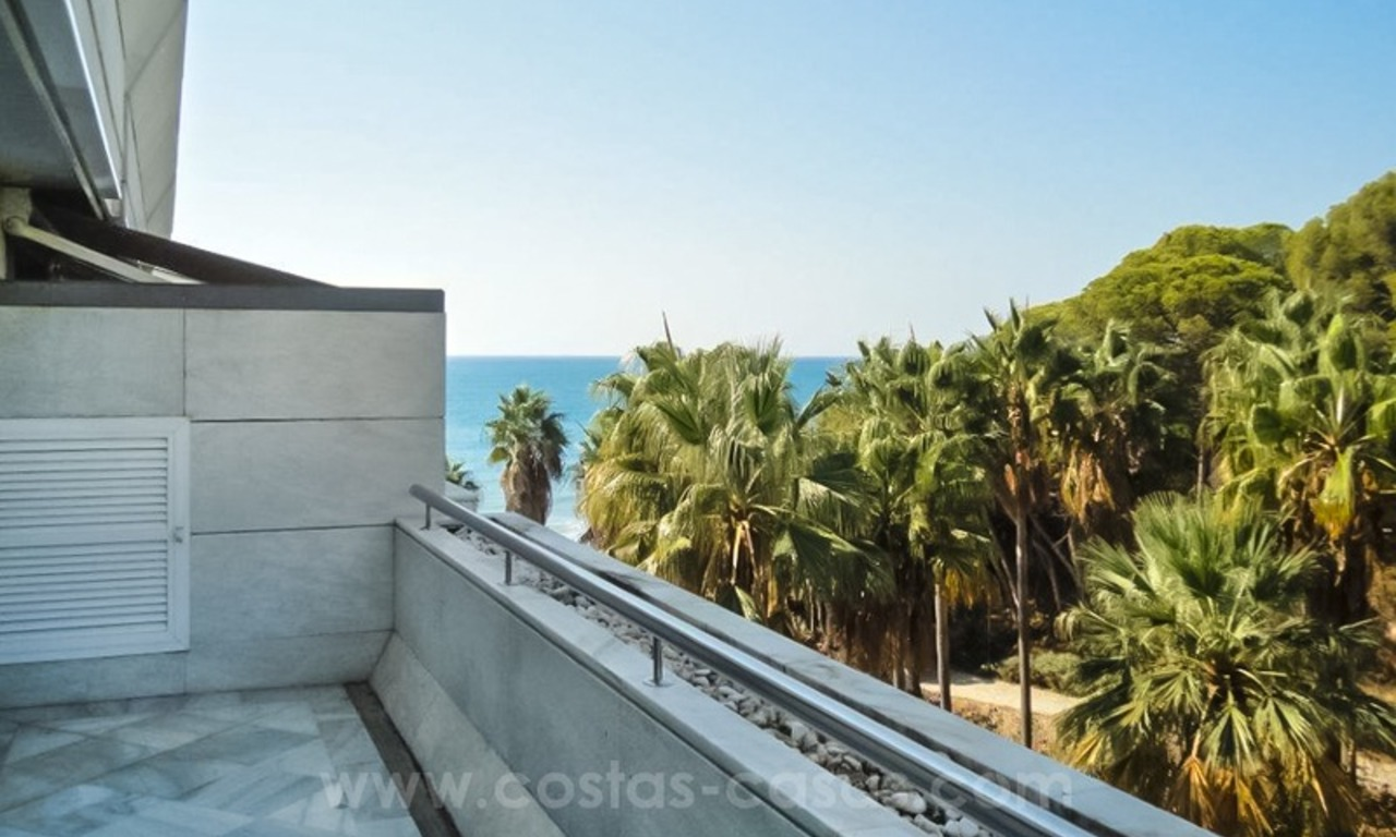 Opportunity: For Sale in Gran Marbella: Fantastic apartment frontline beach 5