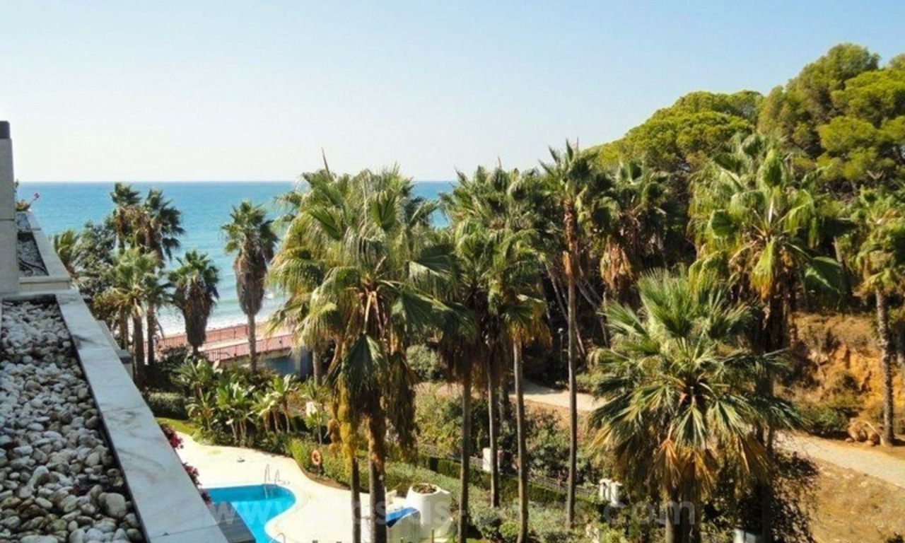 Opportunity: For Sale in Gran Marbella: Fantastic apartment frontline beach 3