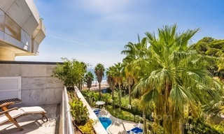 Opportunity: For Sale in Gran Marbella: Fantastic apartment frontline beach 9