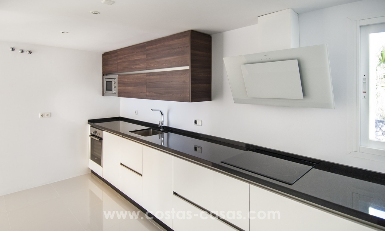 Fabulous 3 Bed Penthouse in Nueva Andalucia, Marbella 12