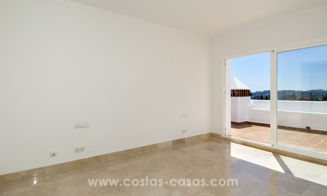 Fabulous 3 Bed Penthouse in Nueva Andalucia, Marbella 16