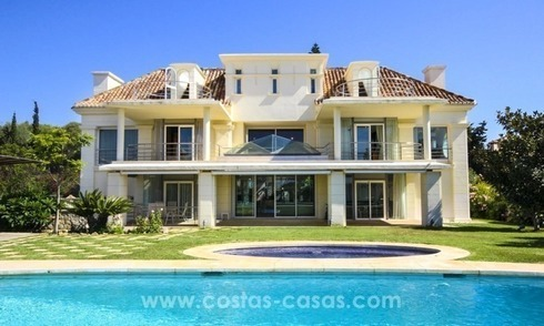 Beachside villa for sale - East Marbella - Costa del Sol