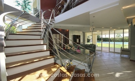 Beachside villa for sale - East Marbella - Costa del Sol 6